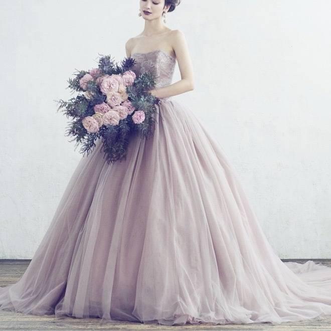 スモーキーピンクドレス