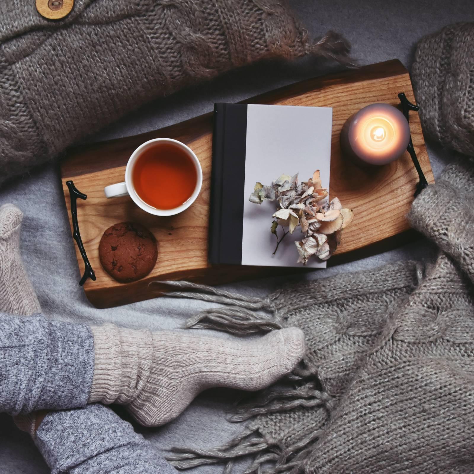 本と花と紅茶